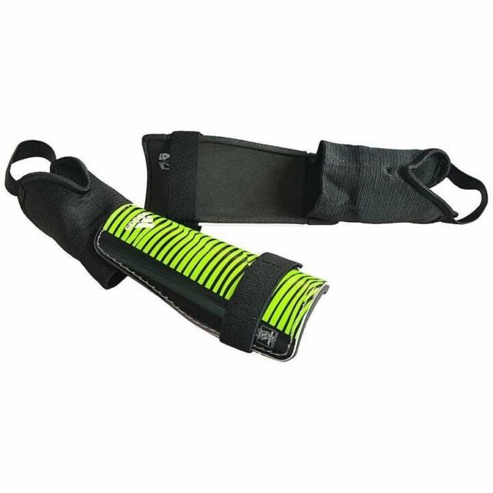 Adidas zöld fiú sípcsontvédő
