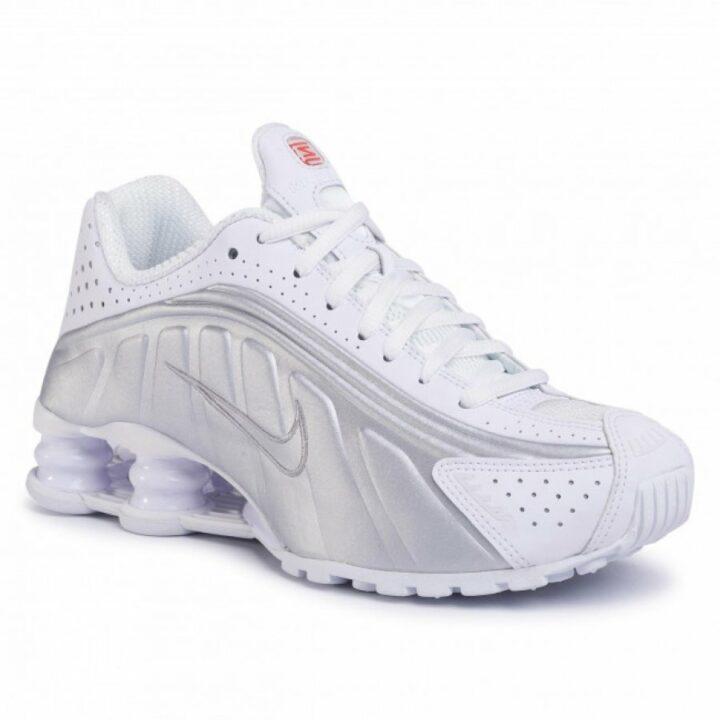 Nike Shox R4 fehér utcai cipő