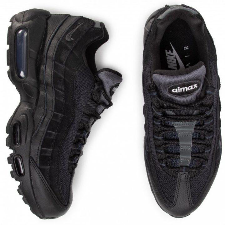 Nike Air Max 95 Essential fekete utcai cipő