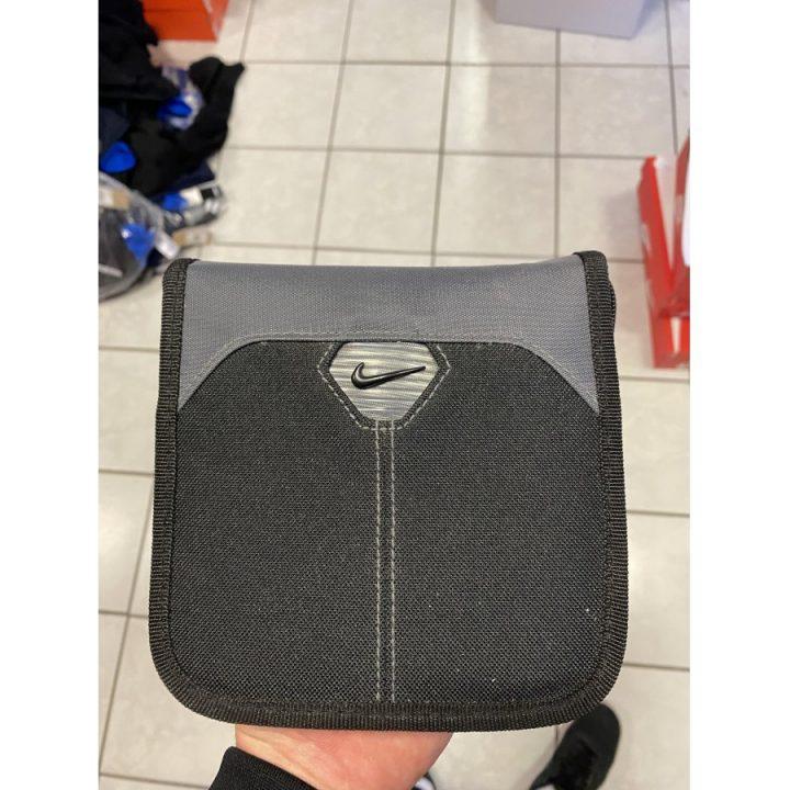 Nike fekete táska