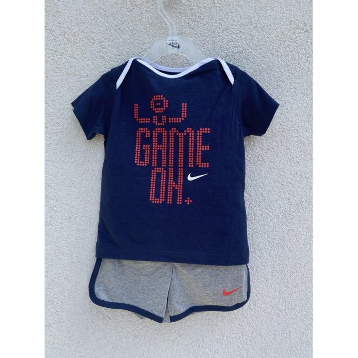 Nike kék póló és rövidnadrág