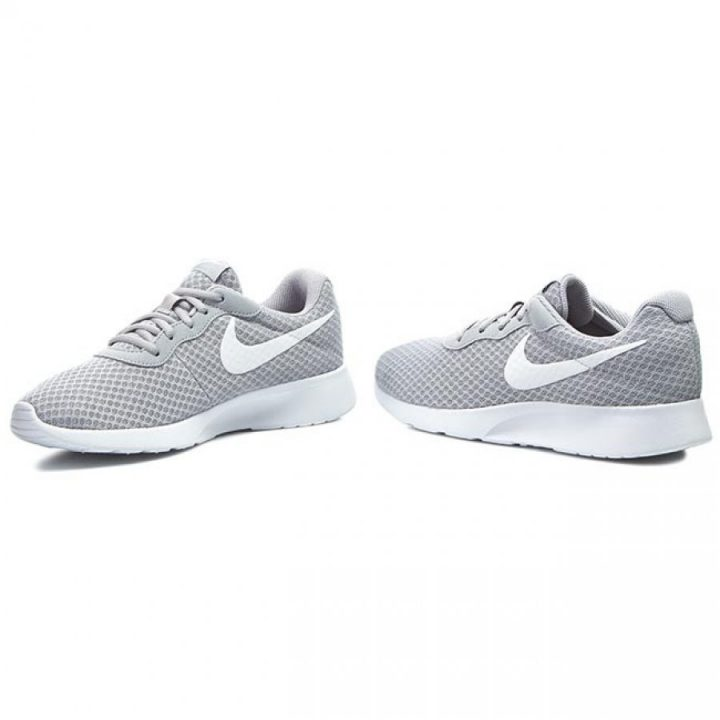 Nike Tanjun szürke férfi utcai cipő
