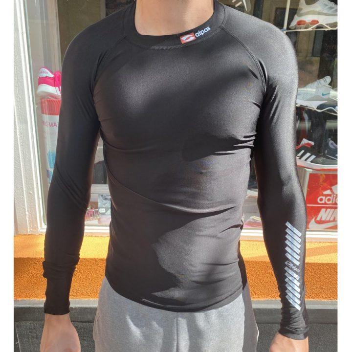 Alpas fekete férfi aláöltözet