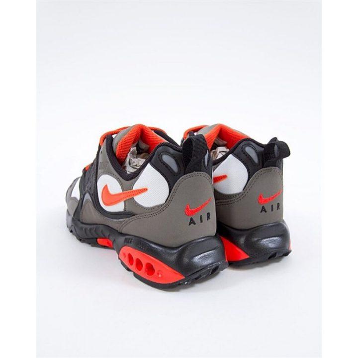 Nike Air Terra Humara '18 több színű férfi túracipő