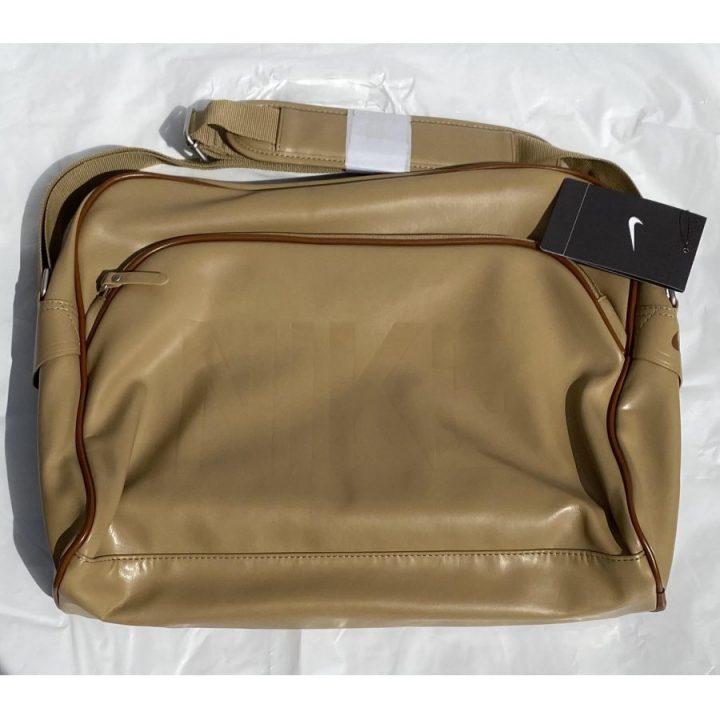 Nike barna oldaltáska