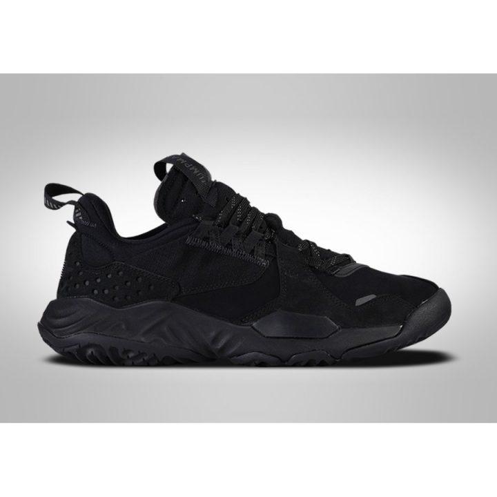Jordan Delta Triple Black fekete utcai cipő